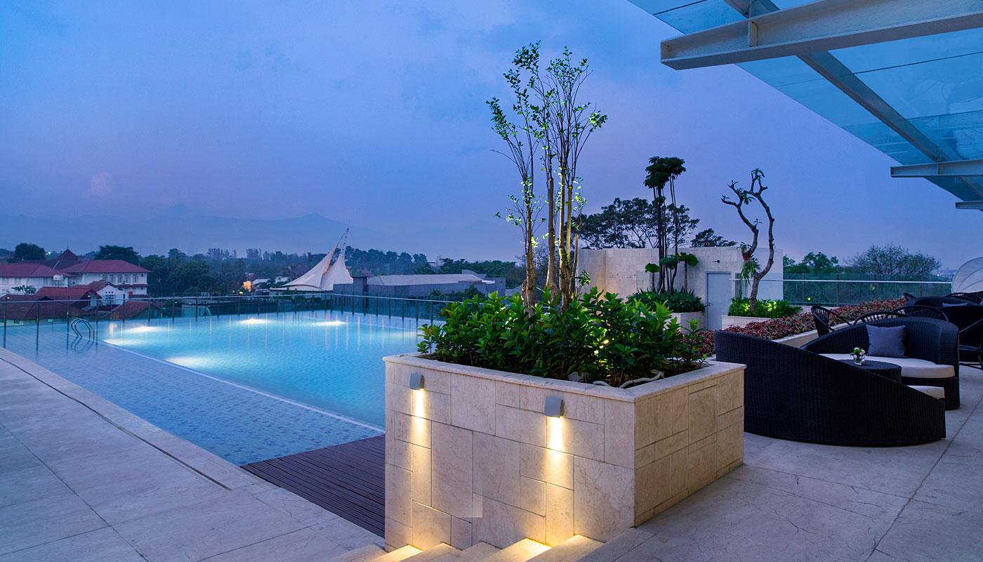 Pool - Crowne Plaza Bandung